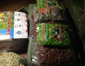 """Bắt giữ 11 tấn ô mai, nho khô, bánh kẹo """"lậu"""" có nguồn gốc Trung Quốc"""
