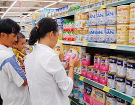 """Đề xuất """"cấm tiệt"""" quảng cáo thức ăn công thức thay thế sữa mẹ cho trẻ dưới 24 tháng"""