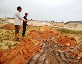 """Đình chỉ việc khai thác cát """"phạm"""" đến hàng ngàn ngôi mộ"""