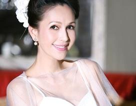 50 tuổi, Diễm My diện váy cô dâu vẫn quyến rũ