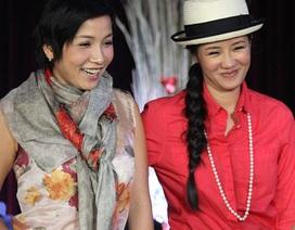 """Thú vị trước thời trang """"xì tin"""" của diva Hồng Nhung, Mỹ Linh"""
