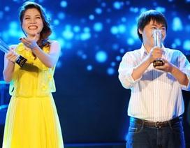 Mỹ Dung rạng rỡ nhận giải Bài hát yêu thích tháng tư