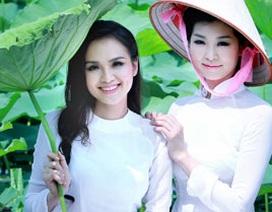 Hoa hậu Diễm Hương e ấp bên sen hồng cùng Hoa hậu Nhật Bản