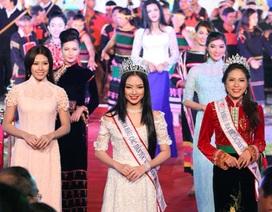 Hoa hậu các Dân tộc Việt Nam trình diễn trang phục dân tộc