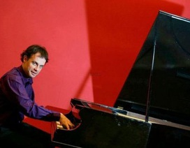 Nghệ sỹ piano Olivier Chauzu biểu diễn tại Hà Nội
