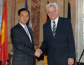 Thủ tướng Nguyễn Tấn Dũng tới Đức