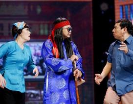 """Tự Long giúp """"vợ chồng"""" Vân Dung- Quang Thắng sinh con trai"""
