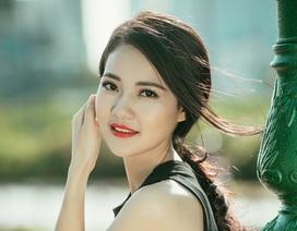 """Hoa hậu Trần Thị Quỳnh giản dị với xu hướng """"crop top"""""""