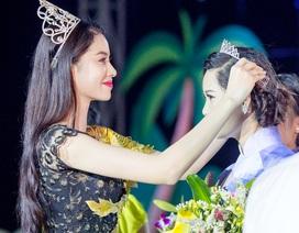Á hậu Phạm Hương lộng lẫy làm giám khảo một cuộc thi sắc đẹp