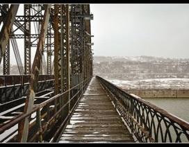 """""""Choáng"""" với vụ mất trộm cả cây cầu nặng 22 tấn"""
