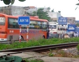 """Căng thẳng nạn """"bảo kê"""", """"cướp"""" khách trên tuyến Hà Nội - Hải Phòng"""