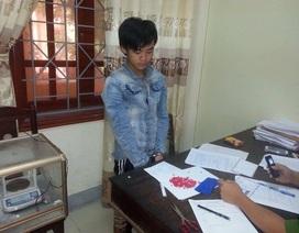 Sang Lào chơi, mang gần 1000 viên ma túy về bán kiếm lời