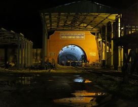 Nỗ lực giải cứu 2 công nhân đang mắc kẹt trong hầm lò than bị sập
