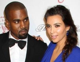 Kanye West mang bạn gái và con đi lưu diễn