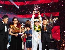 Quang Anh và Phương Mỹ Chi đều dành tiền thưởng xây nhà mới cho mẹ