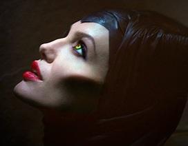 """Angelina Jolie trở thành """"phù thủy độc ác"""""""