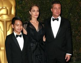 Angelina Jolie tỏa sáng trên thảm đỏ cùng Brad Pitt và con trai