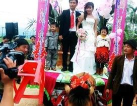 Gặp đôi vợ chồng rước dâu bằng xe ngựa xôn xao cộng đồng mạng
