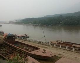 Lật thuyền trên sông Hồng, 2 người mất tích