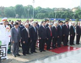 Lãnh đạo Đảng, Nhà nước vào Lăng viếng Chủ tịch Hồ Chí Minh nhân kỷ niệm 125 năm ngày sinh của Bác