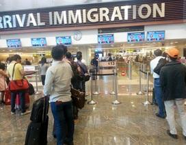 Bay sang Singapore, nhiều người Việt bị từ chối nhập cảnh