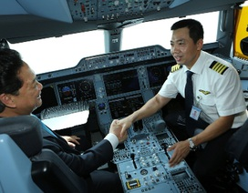 """Thủ tướng thực hiện nghi thức """"cất cánh"""" chiếc A350 thế hệ mới nhất thế giới"""