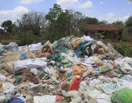 Dân kịch liệt phản đối cơ sở tái chế bao bì phế thải gây ô nhiễm