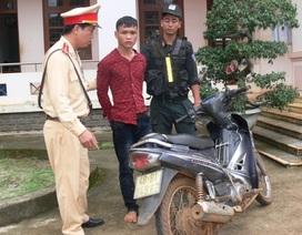 CSGT bắt đối tượng trộm xe máy trên đường đi tiêu thụ tài sản