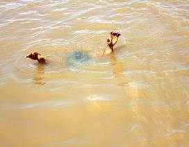 Đau đớn phát hiện cả 3 con chết đuối dưới ao