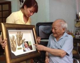 Bán đấu giá… đôi bàn tay những người nổi tiếng