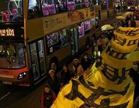 """Người Hồng Kông xuống đường biểu tình """"mừng"""" lễ Giáng sinh"""