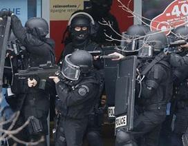 Cảnh sát châu Âu bắt hàng chục nghi phạm khủng bố
