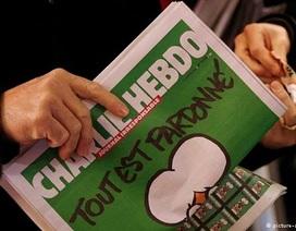 """Số mới của Charlie Hebdo được rao bán với giá """"trên trời"""""""