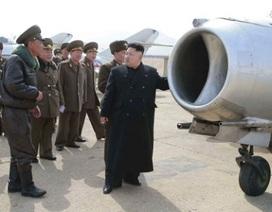 Ông Kim Jong-un thị sát, chỉ đạo tập trận tấn công sân bay địch