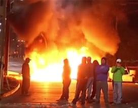 Thổ Nhĩ Kỳ: Xe buýt bất ngờ bốc cháy giữa đường cao tốc