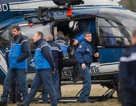 Một phi công trên máy bay Đức bị khóa bên ngoài buồng lái