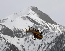 Máy bay Đức phát ra tiếng động lạ, vỡ tan trên núi An-pơ