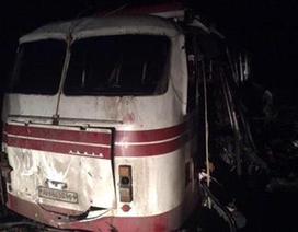 Xe buýt cán phải mìn ở đông Ukraine