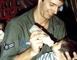 """Những hình ảnh trong chiến dịch """"không vận trẻ em"""" cách đây 40 năm"""
