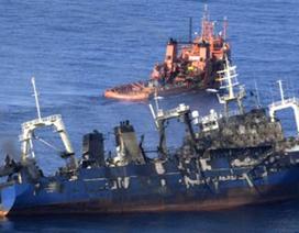 Tàu cá Nga bốc cháy, chìm tại Đại Tây Dương