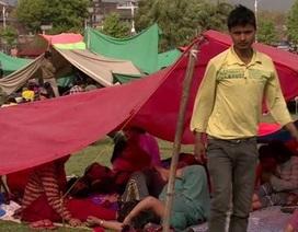 Nepal: Người dân đổ ra đường sau động đất, biến thủ đô thành khu trại lều