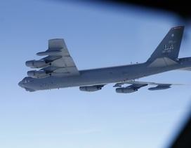 """Mỹ đưa """"biểu tượng Chiến tranh Lạnh"""" B-52 đến Thuỵ Điển tập trận dằn mặt Nga"""