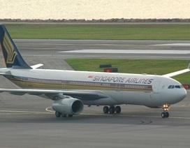 Hai động cơ cùng chết máy, phi cơ Singapore đột ngột rơi 4.000 m