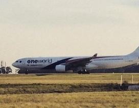 Máy bay Malaysia Airlines hạ cánh khẩn cấp tại Úc
