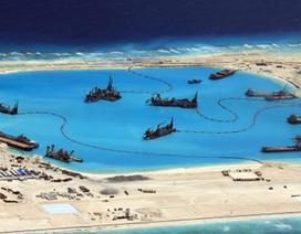 """Trung Quốc lại """"tung hỏa mù""""  về các đảo cải tạo trái phép ở Biển Đông"""
