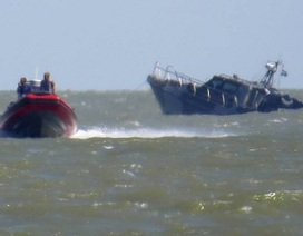 Tàu Ukraine trúng thủy lôi gần cảng chiến lược Mariupol