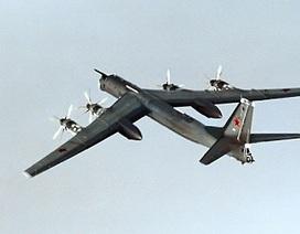 Oanh tạc cơ hiện đại Tu-95 của Nga nổ tung khi huấn luyện