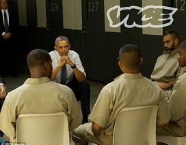 Obama phá lệ thăm nhà tù khét tiếng