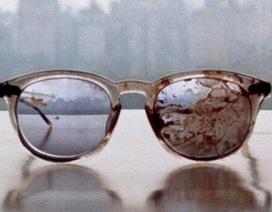 """Chiếc kính đầy máu của John Lennon mong """"thức tỉnh"""" nước Mỹ"""