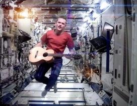 MV âm nhạc đầu tiên thực hiện trên vũ trụ gây sốt